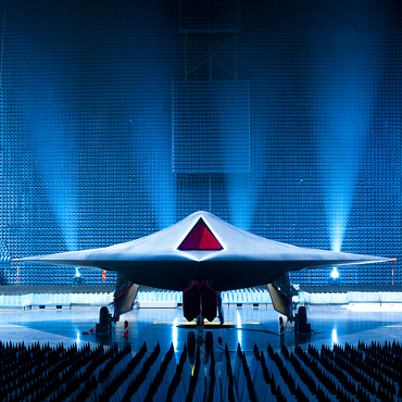 BAE Systems Taranis UCAV unmanned combat air vehicle prototype demonstrator attack UAV RPAS remotely piloted QuinetiQ Rolls Royce Smith Aerospace GE Aviation Systems unveiled bezpilotné bojové lietadlo