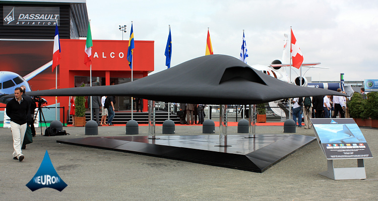 nEUROn international unmanned combat aircraft technology demonstrator UCAV UCAS Dassault SAAB Alenia stealth mockup Le Bourget