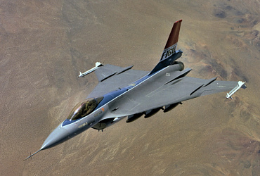 General Dynamics Lockheed Martin F-16XL single seater fighting falcon Advanced Tactical Fighter USAF aircraft delta wing