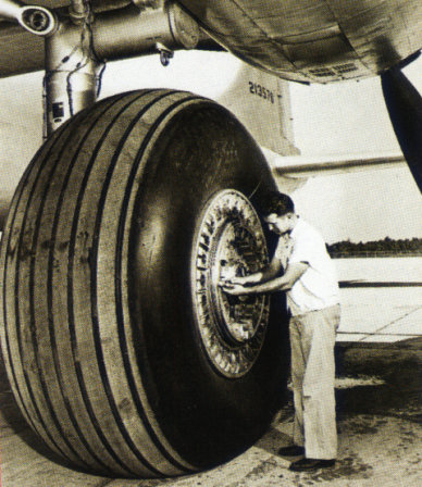 Convair B-36 Peacemaker main landing gear