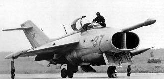 Yakovlev Yak-36 experimental VTOL development attack plane fighter